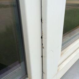 Zabezpečené plastové okno