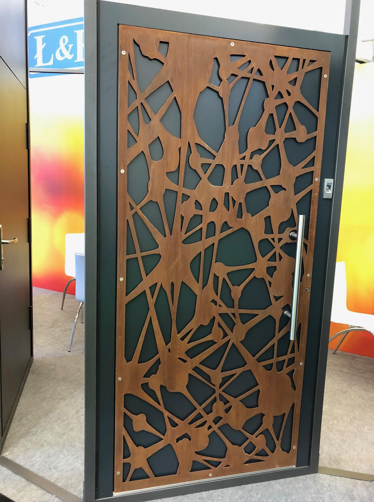 dvere inštalácia ozdobné motív drevené ekoprofil.sk